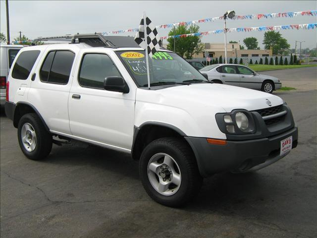 2002 nissan xterra se for sale in newark ohio classified. Black Bedroom Furniture Sets. Home Design Ideas