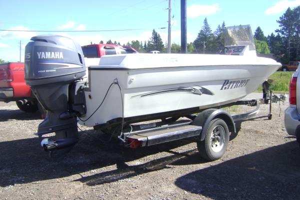 2002 Patriot Canadian Fishing Boat with a YAMAHA 115 H.P. Four-Stroke - $6400