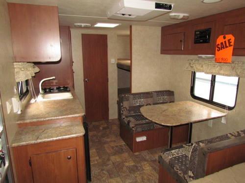 2002 Thor Tahoe Lite hybrid travel trailet...16ft...2,760