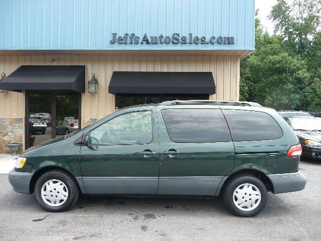 2002 toyota sienna ce for sale in lincolnton north carolina classified. Black Bedroom Furniture Sets. Home Design Ideas
