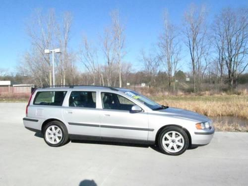 2002 volvo v70 station wagon 2 4t a sr 5dr wgn w sunroof for sale in barrington illinois. Black Bedroom Furniture Sets. Home Design Ideas