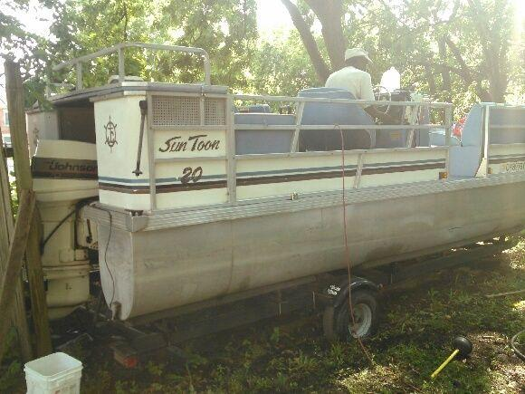 2003 20ft Sun Toon Pontoon W Trailer Great Condition For