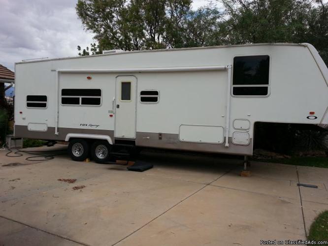 2003 32 Forest River Sandpiper 5th Wheel Toy Hauler Rv