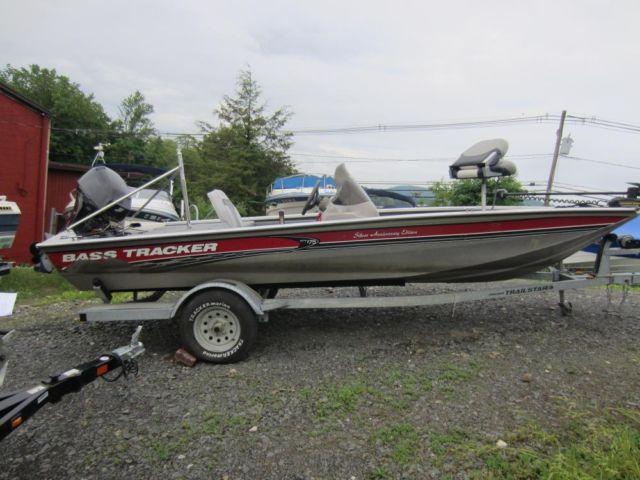 2003 bass tracker aluminum fishing boat with trailer for for Bass tracker fishing boats