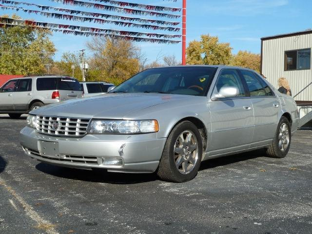 2003 cadillac seville sts for sale in chicago heights illinois classified. Black Bedroom Furniture Sets. Home Design Ideas