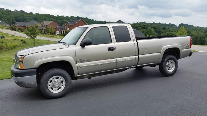 2003 Chevrolet Silverado 2500 HD LS Extended Cab Pickup