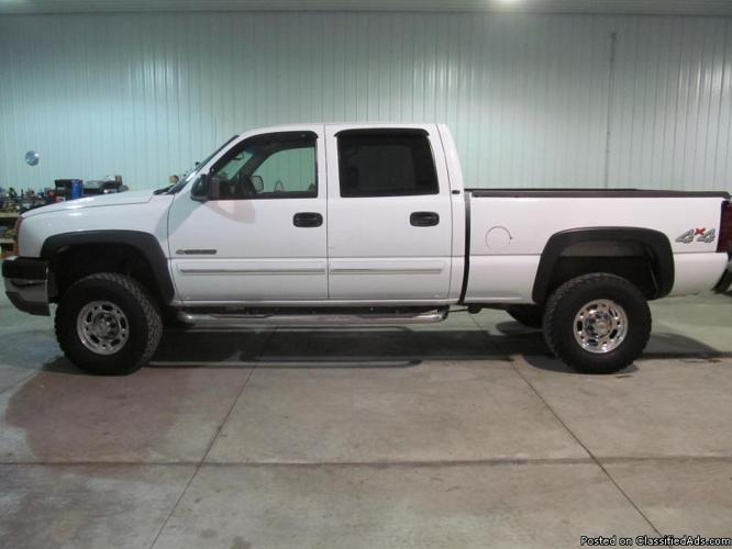 2003 Chevrolet Silverado 2500HD Crew Cab 4X4-8.1L V8-White,Lift Kit-NT0756 for Sale in Co Bluffs ...