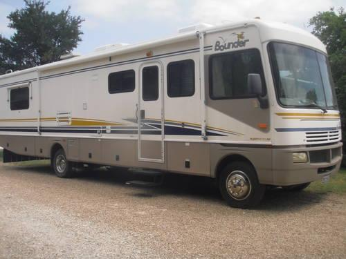 2003 Fleetwood Bounder 36D - Reduced to Sell