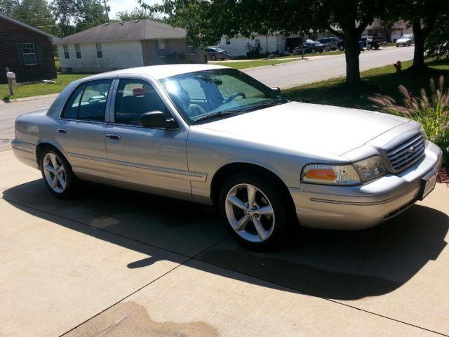 2003 ford crown victoria lx sport for sale in lebanon. Black Bedroom Furniture Sets. Home Design Ideas