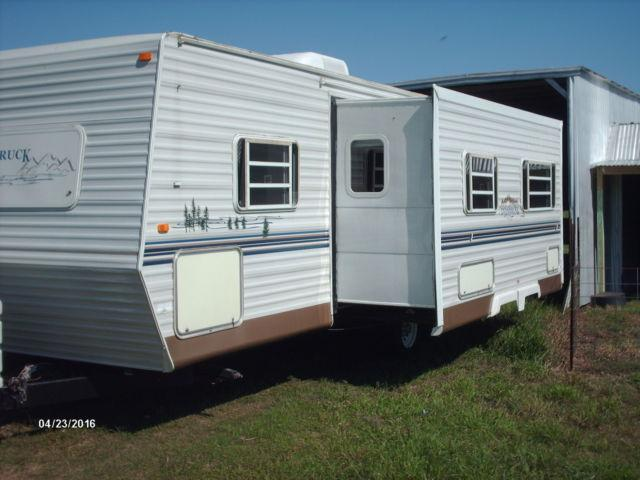 2003 Gulf Stream Innsbruck Travel trailer--non-smoker