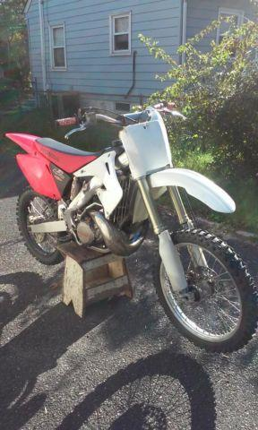 2003 Honda cr250 extremely clean with title for Sale in Andalusia