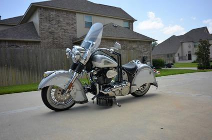 2003 Indian CHIEF ROADMASTER `Delivery Worldwide`