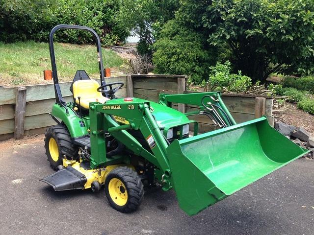 2003 John Deere 2210 Utility Tractor