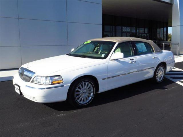 2003 lincoln town car 4dr sdn executive for sale in brooksville florida classified. Black Bedroom Furniture Sets. Home Design Ideas
