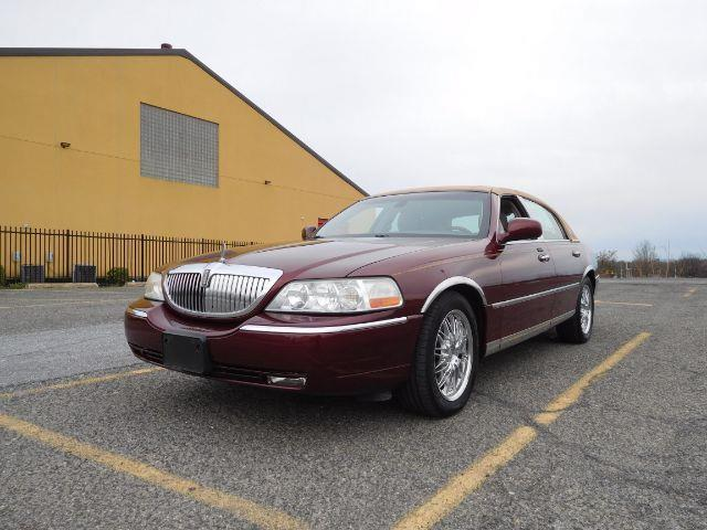 2003 lincoln town car cartier cartier 4dr sedan for sale in baltimore maryland classified. Black Bedroom Furniture Sets. Home Design Ideas