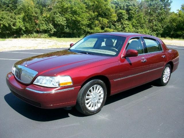 2003 lincoln town car executive for sale in hendersonville tennessee classified. Black Bedroom Furniture Sets. Home Design Ideas