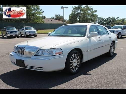 2003 lincoln town car sedan for sale in mount pleasant texas classified. Black Bedroom Furniture Sets. Home Design Ideas