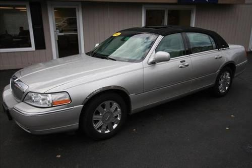 2003 lincoln town car sedan cartier for sale in plaistow new hampshire classified. Black Bedroom Furniture Sets. Home Design Ideas