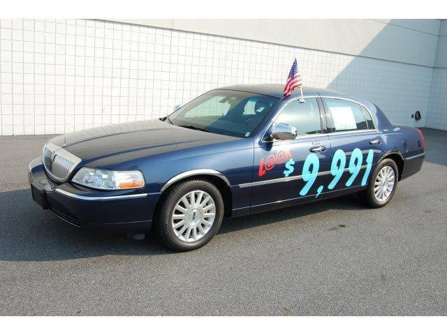2003 Lincoln Town Car Signature For Sale In Milford Delaware