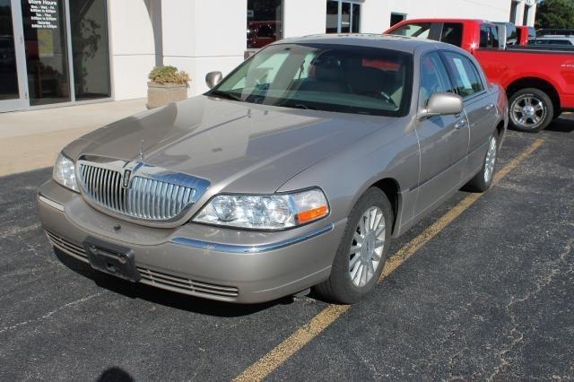 2003 Lincoln Town Car Signature For Sale In Morton Illinois