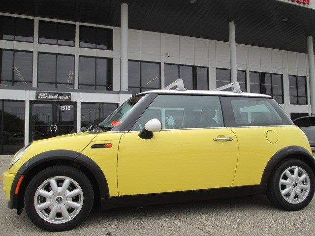 2003 mini cooper base middleton wi for sale in madison. Black Bedroom Furniture Sets. Home Design Ideas