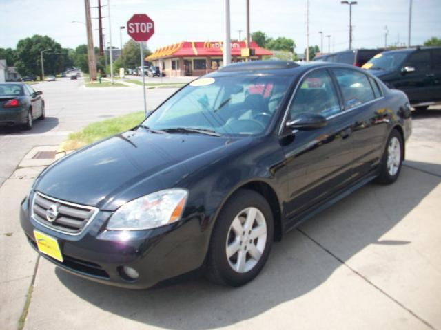 2003 nissan altima 2 5 sl for sale in ames iowa classified. Black Bedroom Furniture Sets. Home Design Ideas