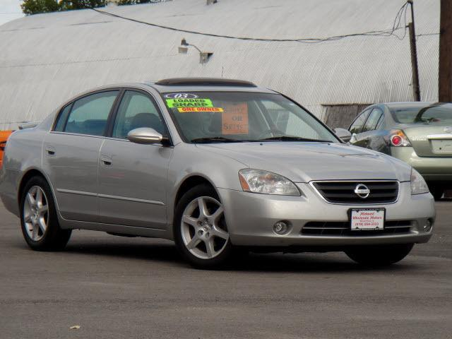 2003 nissan altima 3 5 se for sale in wood river illinois classified. Black Bedroom Furniture Sets. Home Design Ideas
