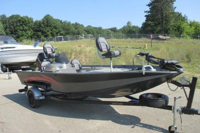 2003 Pro 125 Horsepower Mercury Outboard  For Sale In Kalamazoo