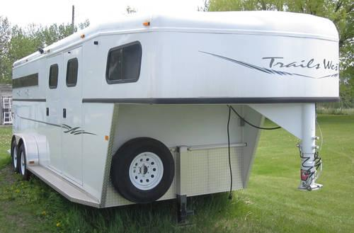 2003 trails west classic 3 horse gooseneck trailer nearly for Classic house 2003
