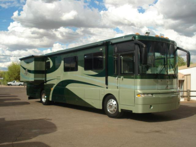 Innovative This Unit Features Sofa, Chair And Tv In Cab Over Area Kitchen Has Dinette With Four Chairs Plus Double Stainless Steel Sinks,side By Side Refrigerator Freezer, Microwave And Dishwasher Bath Has Shower, Toilet, And Vanity Sink With