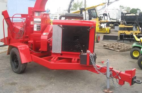 2003 Wood Chuck Hyroller 1200 Chipper Red