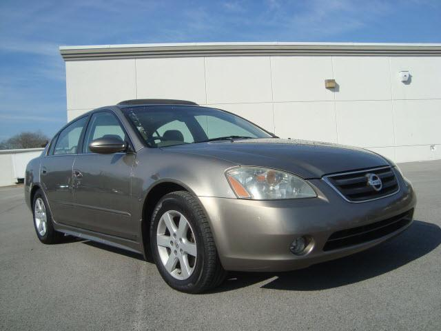 2003 nissan altima 2 5 sl for sale in clinton tennessee classified. Black Bedroom Furniture Sets. Home Design Ideas