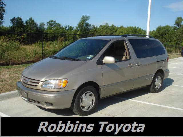2003 toyota sienna xle for sale in nash texas classified. Black Bedroom Furniture Sets. Home Design Ideas