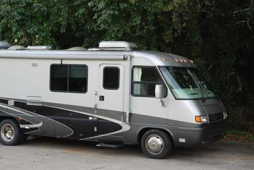 2004 Airstream Inc Land Yacht 30SLD in College Grove, TN