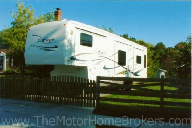 2004 Carriage Cameo 35' w/4 Slide-Outs