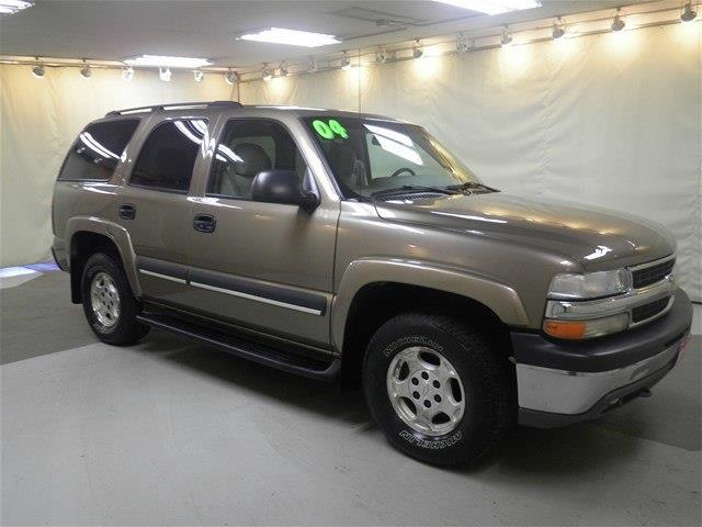 2004 Chevrolet Tahoe LS LS 4WD 4dr SUV