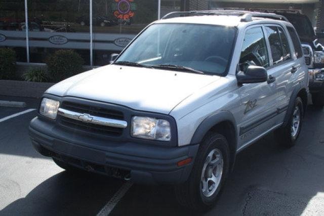 2004 chevrolet tracker 2004 chevrolet tracker car for sale in knoxville tn 4367209142 used. Black Bedroom Furniture Sets. Home Design Ideas