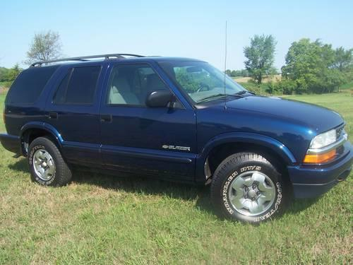 2004 chevy blazer blue 29 000 mi v6 4x4 must see for sale in big lake indiana classified. Black Bedroom Furniture Sets. Home Design Ideas
