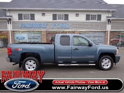 2004 chevy silverado 1500 ext cab 4wd for sale in warren. Black Bedroom Furniture Sets. Home Design Ideas