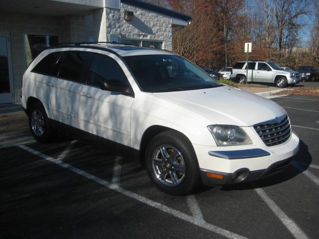 2004 chrysler pacifica for sale in fredericksburg virginia classified. Black Bedroom Furniture Sets. Home Design Ideas