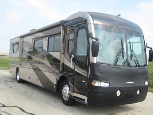 2004 fleetwood revolution rv motorhome diesel pusher class a camper for sale in oconomowoc. Black Bedroom Furniture Sets. Home Design Ideas