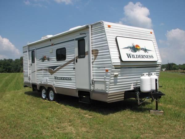 2004 fleetwood wilderness travel trailer 27 39 for sale in martinsburg west virginia. Black Bedroom Furniture Sets. Home Design Ideas