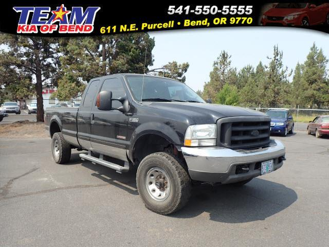 2004 Ford F-350 Super Duty XLT 4dr SuperCab XLT 4WD SB
