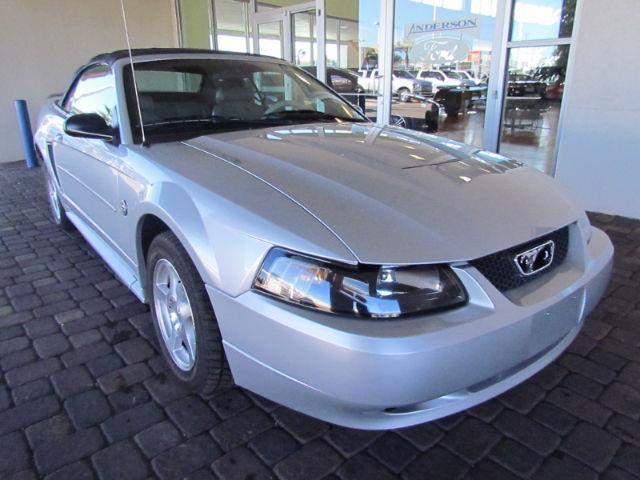 2004 Ford Mustang Deluxe Deluxe 2dr Convertible