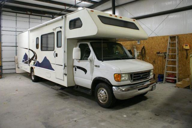 2004 Four Winds Fun Mover 31C Toy Hauler