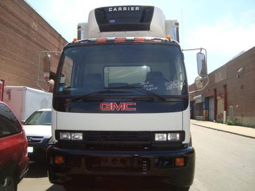 2004 Gmc T7500 20 Reefer Truck Morgan Body Carrier