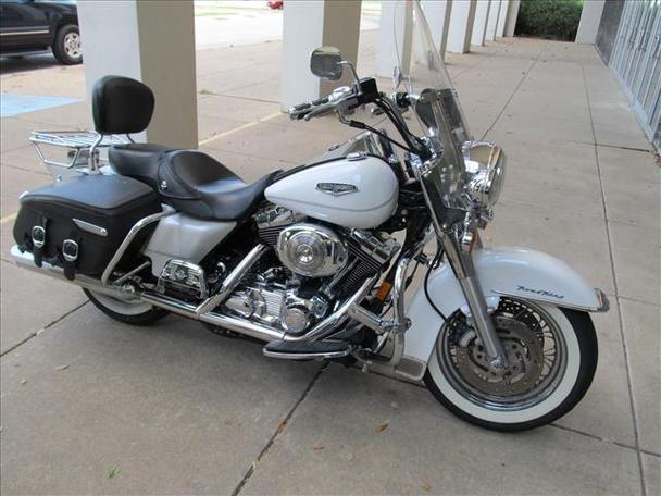 2004 harley davidson road king classic nice white clean for sale in arlington texas. Black Bedroom Furniture Sets. Home Design Ideas