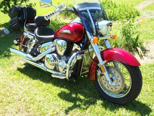 2004 honda vtx 1300 22 000 miles very nice vtx for sale. Black Bedroom Furniture Sets. Home Design Ideas