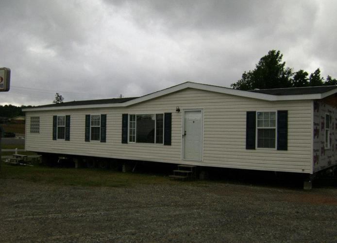 2004 horton 27x56 double wide mobile home milledgeville for sale in macon georgia. Black Bedroom Furniture Sets. Home Design Ideas