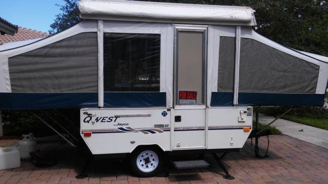 2004 Jayco Qwest Pop Up Camper Garage Kept Super Clean For